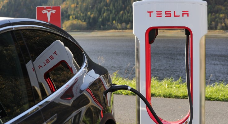 Reasons Why Tesla Motors Spends $0 on Marketing
