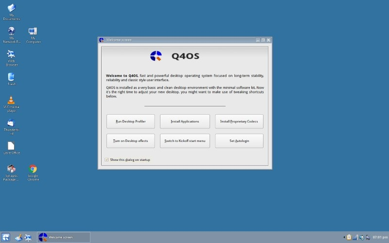 Q4OS Linux desktop after first boot