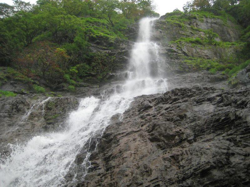 hivre-waterfall-guide