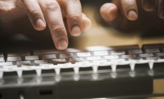 Tastierat kompjuterike mund të zbulojnë sëmundjen e Parkinson-it
