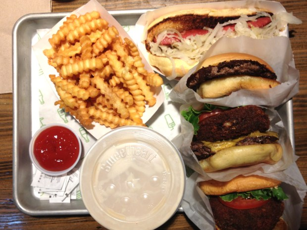 Free Shake Shack burger // It's Jou Life blog https://wp.me/p7RBMP-Xn