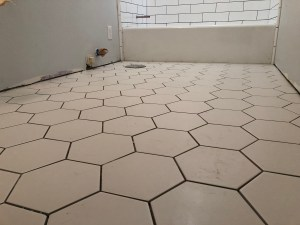 Pros and Cons of Tile Flooring via It's Jou Life - https://wp.me/p7RBMP-1i3