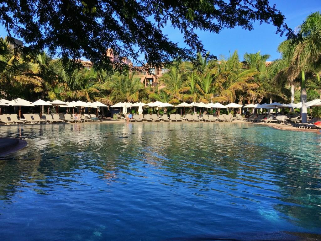 Pool with sand, Lopesan Baobab