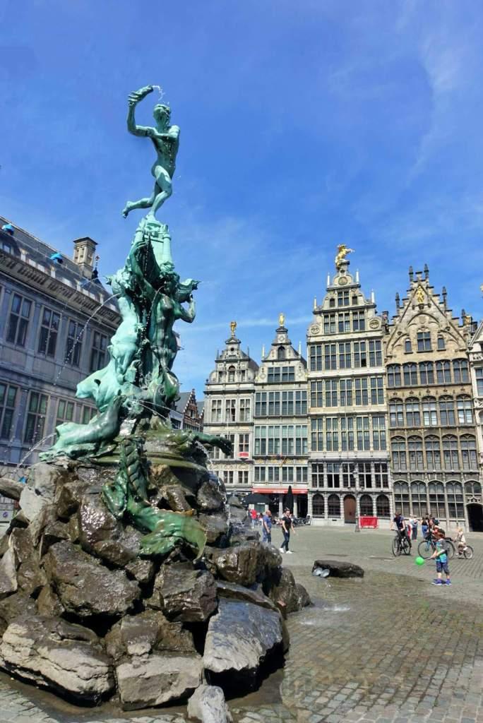 Brabo's Monument, Grote Markt, Antwerp