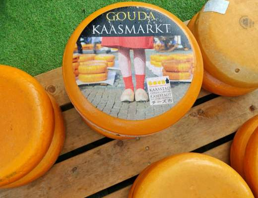 Cheese wheel, Gouda cheese market