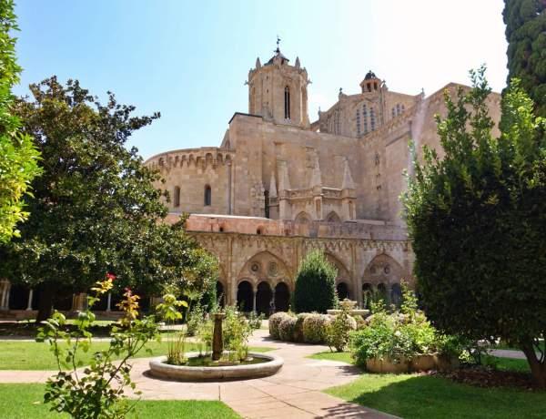 Tarragona Cathedral gardens