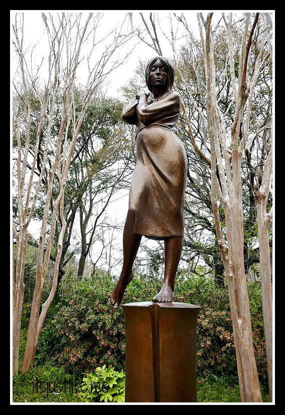 statue12