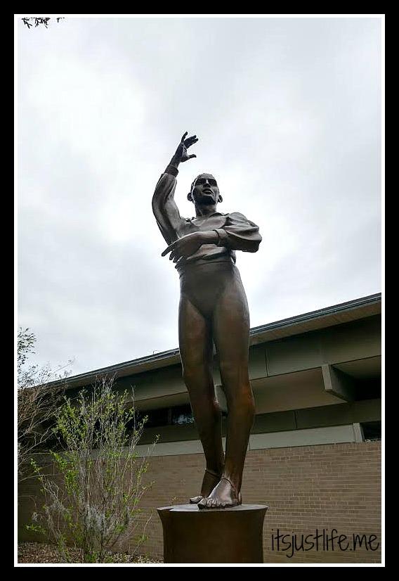 statue8