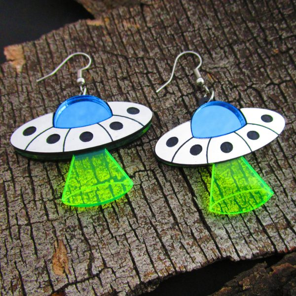 ufo spaceship flying saucer abduction ray earrings