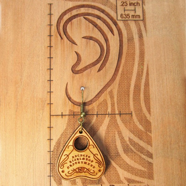 wood ear diagram with plancette earring to show dimentions
