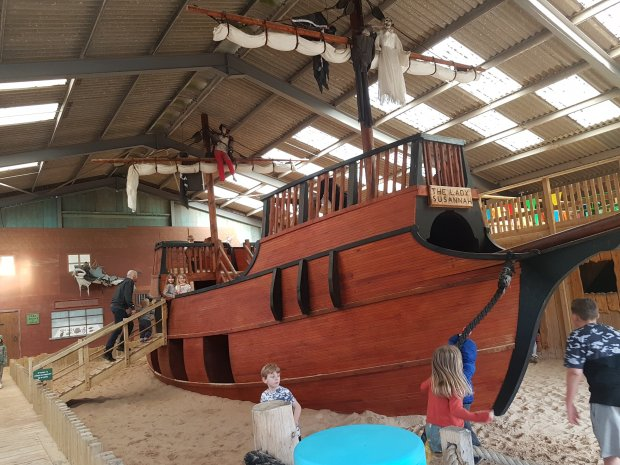 World of country life pirate ship