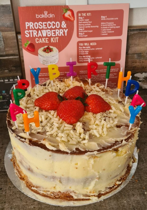 bakedin strawberry and prosecco cake kit