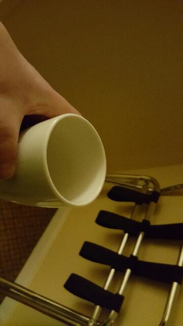 me demonstrating how I can hold a cup