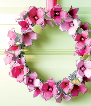 egg-carton-wreath__