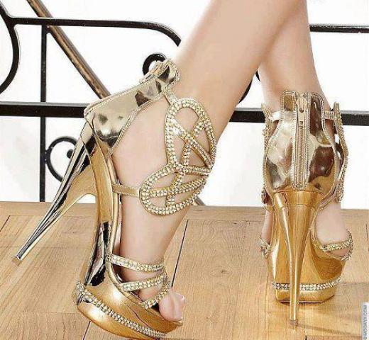 golden-color-high-heel-shoe for wedding-and-brides