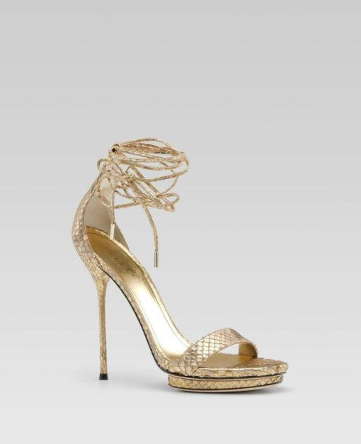 latest-high-heel-golden-shoes-pictures