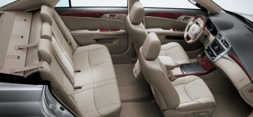 2013Toyota-Avalon-Interior-leather