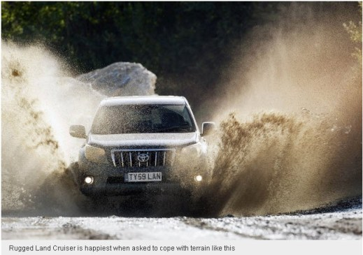 Rugged-Land-Cruiser-2013-Off-road-Drive-Test-Picture