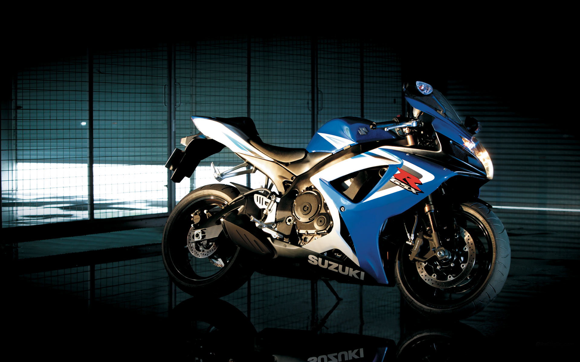 latest suzuki kawasaki honda and yamaha heavy bikes wallpapers 2013