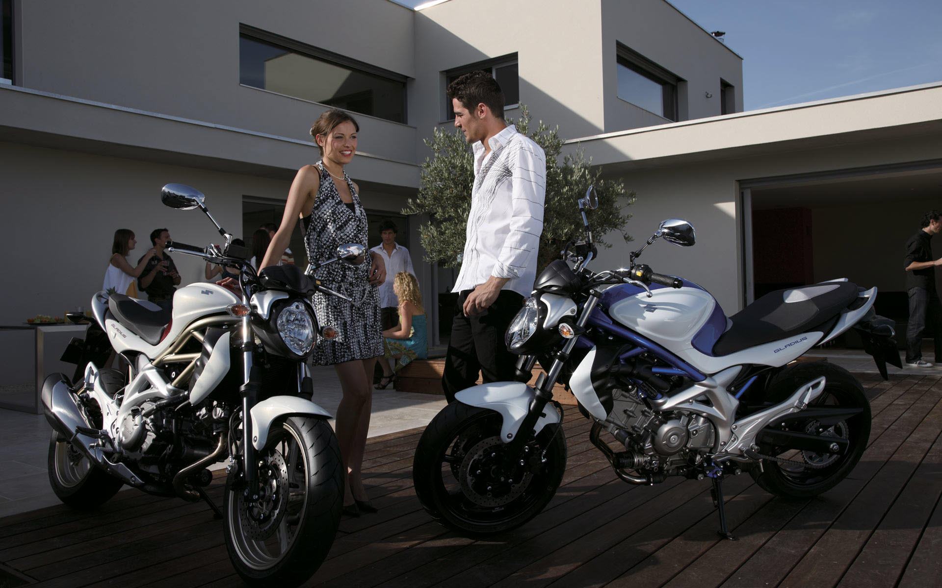 Heavy Bikes Girl Guys HD Pictures 2013 2014