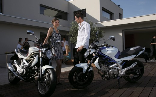 Heavy-bikes-girl-guys-HD-pictures 2013 2014