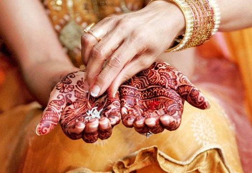 Most-beautiful-mehndi-designs-for-woman-hands