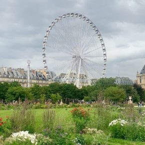 10 Amazing Parks to Picnic at in Paris