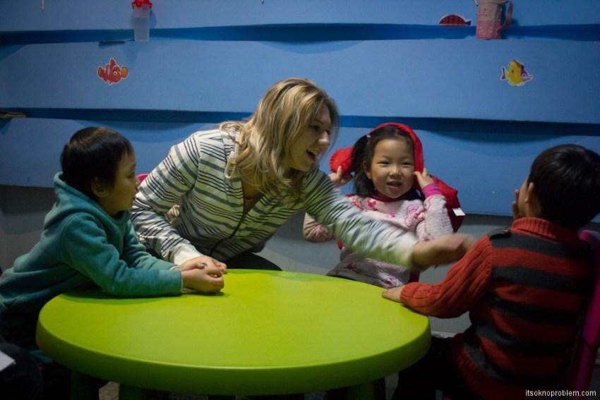 Обучение английскому языку с малых лет. Китайские дети фото