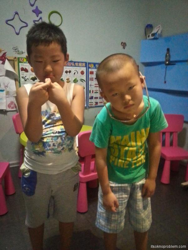 Обучение английскому языку с малых лет. Китайские пацики с раёна