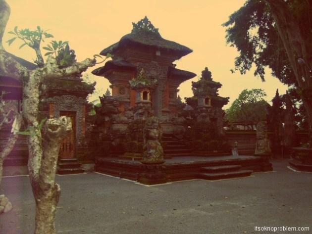 Парк в Убуде. 巴厘岛. 印尼