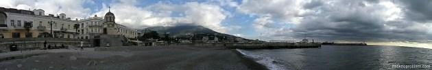 雅尔塔的码头全景. 安卓