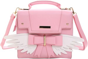A light big messenger bag with wing, top handle and removable strap. One of the best cute purses for teens