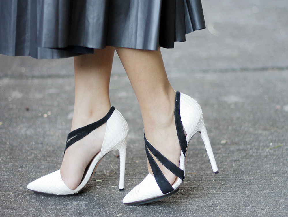 LAMB_Shoes_Its_Paradigma_2