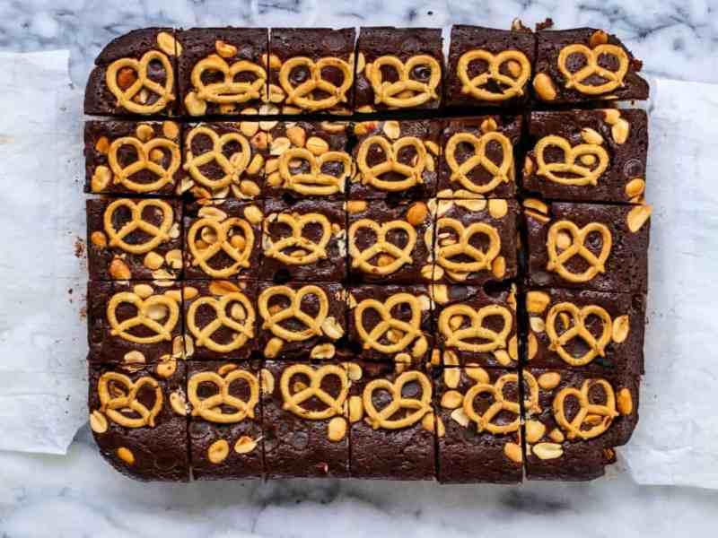 peanut butter brownies, gluten free brownies, peanut butter brownies gluten-free, gluten free, gluten free brownies, pretzel brownies, gluten free pretzels