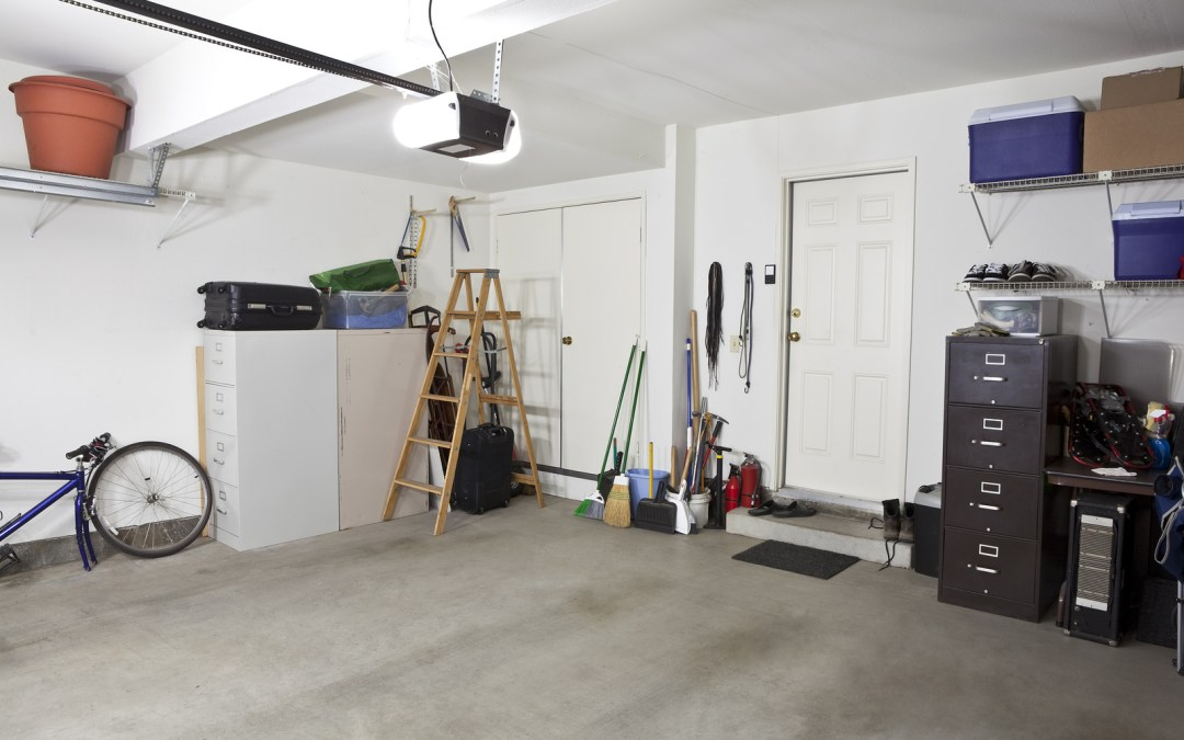 8 Tips to declutter your garage