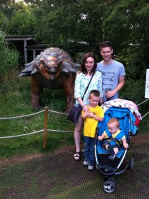 Family shot at Bristol Zoo! Tova top and cut off jeans - snip snip!