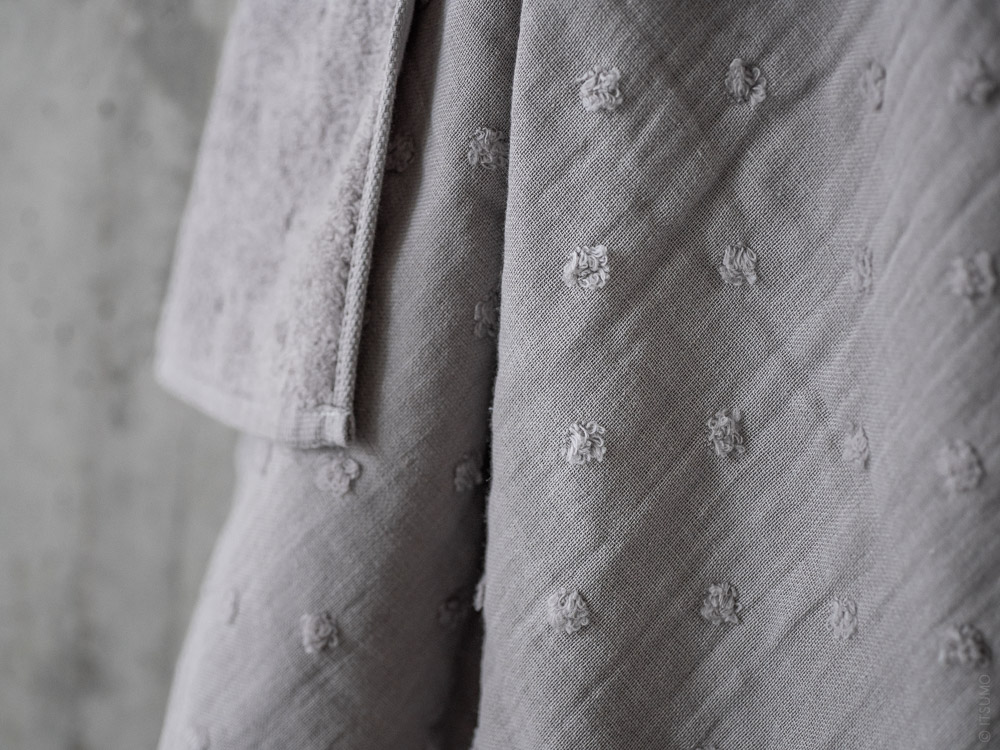 Uchino_Zero Twist Gauze Dot_grey