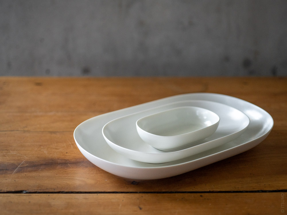 umiko Iihoshi Porcelain_tableware_reirabo_oval plate_quiet white