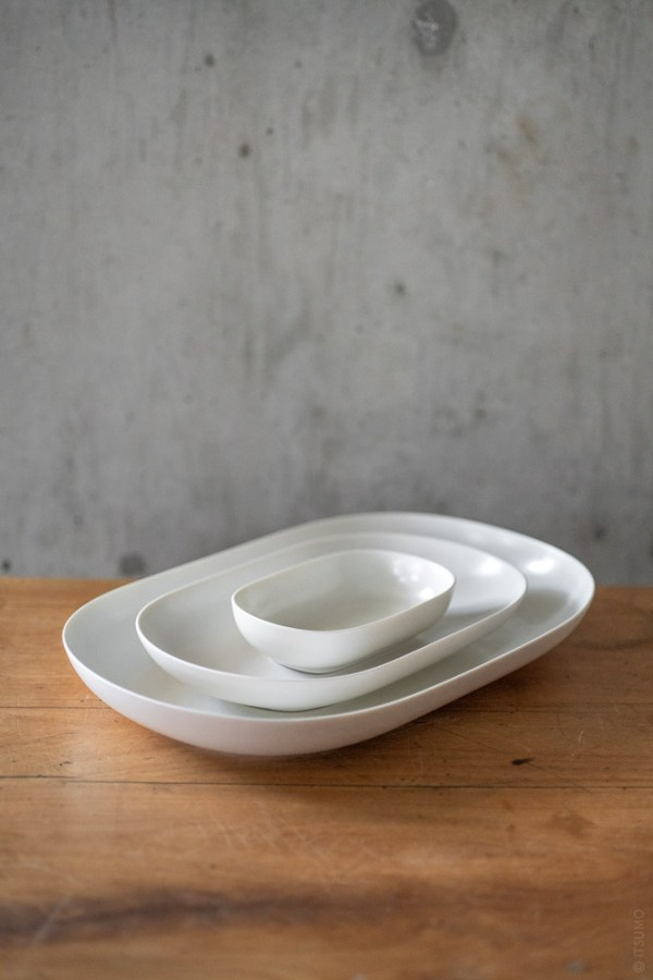 umiko Iihoshi Porcelain_tableware_reirabo_oval plate_quiet white_top