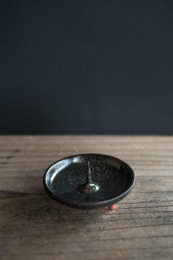 Daiyo_Mame Ceramic Candle Holder_black_top