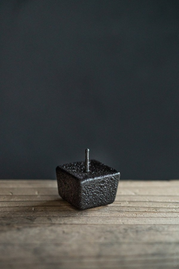 Daiyo_Rippoh Candle Stand_black_top