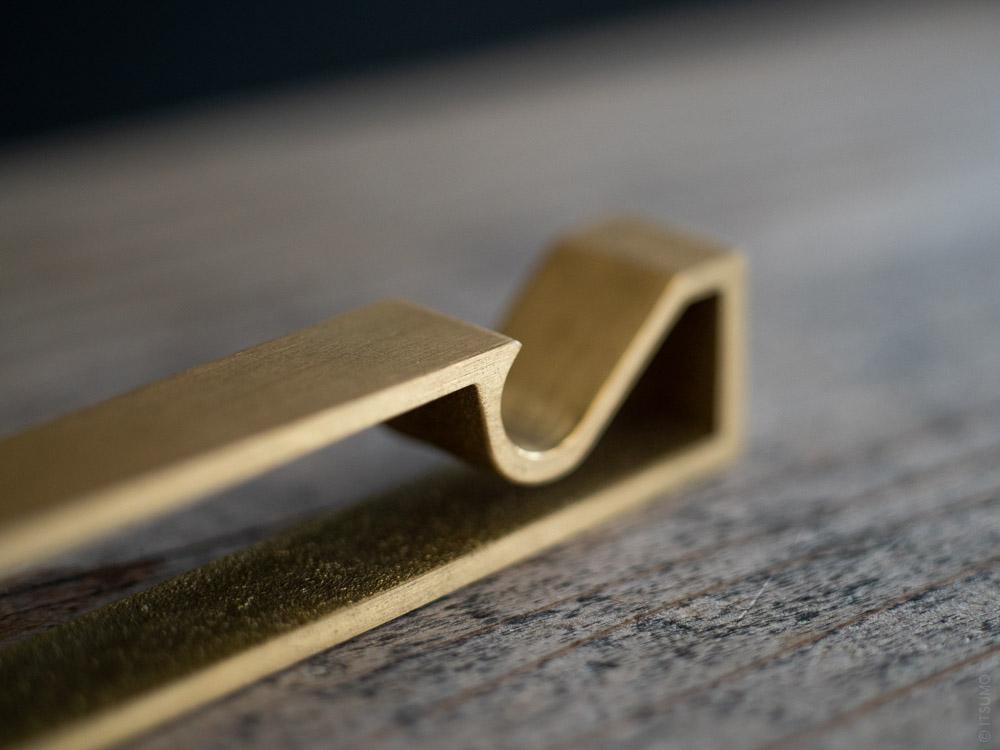 FUTAGAMI_Brass Bottle Opener_Frame