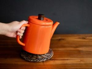 Noda Horo_Enamel Pottle_kettle teapot_orange_dl