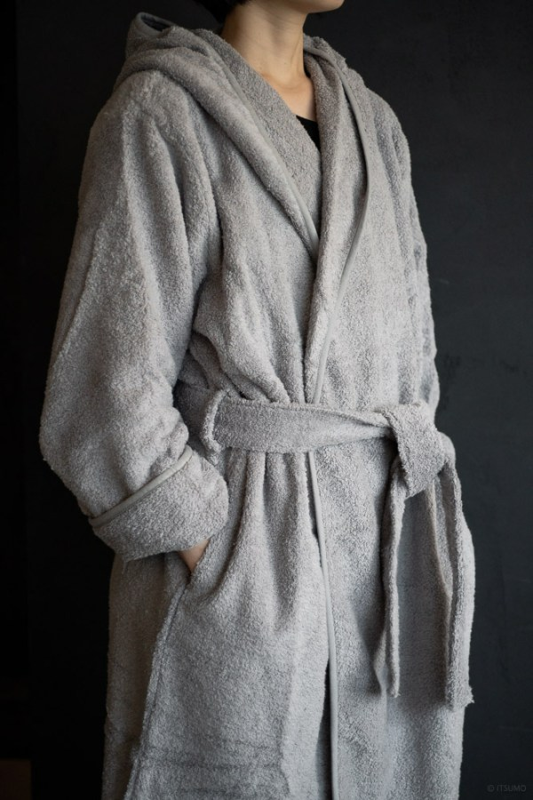Uchino_CL Zero Twist Hooded Bath Robe_top