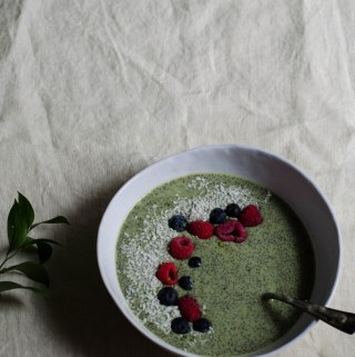 MATCHA GREEN TEA COCONUT CHIA PUDDING