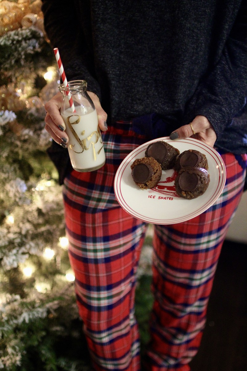 Real Ingredient Christmas Cookies + Cozy Christmas Pajamas