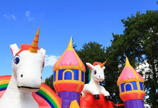 ittakes2 unicorn springkussen