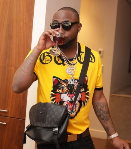 VIDEO: Davido Parties And Drink With Eniola Badmus, Dremo, Others