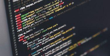 Cómo-la-instalación-de-software-ilegal-facilita-el-cibercrimen