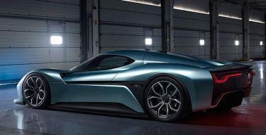 Demanda-de-coches-de-lujo-híbridos-y-eléctricos-crece-sin-límites